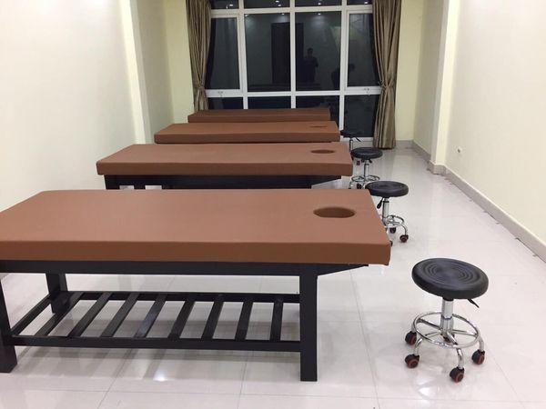 giường spa gỗ dùng trong spa